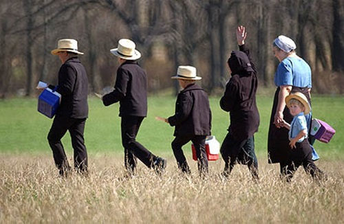 Top-10-weird-facts-about-The-Amish-11