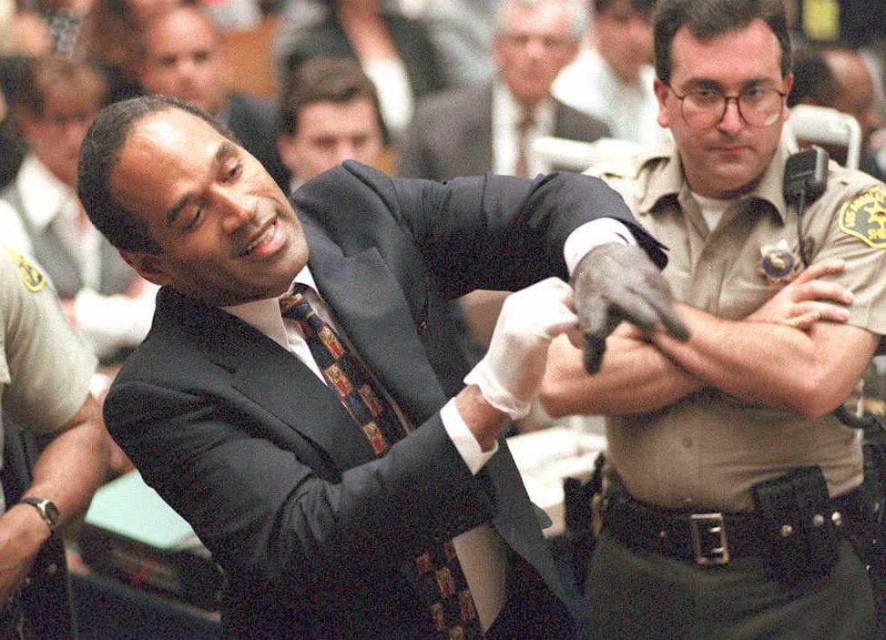 Double murder defendant O.J. Simpson puts on one o