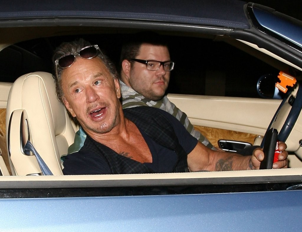 Mickey+Rourke+Dines+Out+Ago+Restaurant+FuPl50PvLjDx